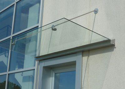 piccola-tettoia-in-vetro